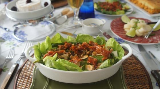 Salada com alface baby