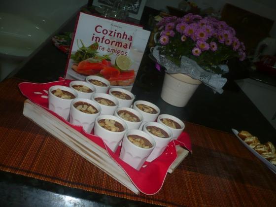 Mousse de chocolate com doce de leite Viçosa (é claro!)